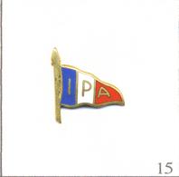 Pin's Police - L'IPA (International Police Association) Polices, Douanes Et Gendarmerie. Non Estampillé. EGF. T623-15 - Police