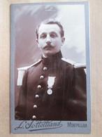 Militaria - Photographie CDV Sous-Officier Ou Officier ? ( Voir Epaulettes) - Médaillé - Photo Sottettiand, Montpellier - Photographs