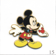 Pin's Disney - Mickey. Estampillé Disneyland Paris. Zamac. T624-15 - Disney