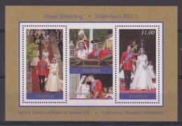 2397  Penrhyn Island  Royal Wedding  Kate & William  29 Th April 2011   2 Samp Sheet . - Royalties, Royals