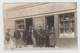Carte Photo Très Belle Vitrine A. Dubois Comptoir Argent Faiences Verreries Vin Biere Envoi à Mamers Sarthe - Negozi
