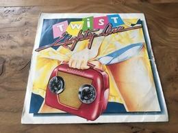 166/ TWIST EIGHTY ONE , HE S JUST A YOYO , - Vinyl Records