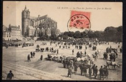 LE MANS - Place Des Jacobins Un Jour De Marché - Le Mans