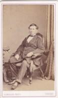 ANTIQUE CDV PHOTO - SEATED MAN. DR. WREFORD. WHITBY STUDIO - Photographs
