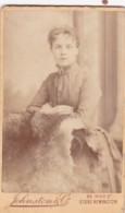 ANTIQUE CDV PHOTO -LADY LEANING ON CHAIR . STOKE NEWINGTON STUDIO - Photographs
