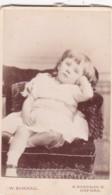 ANTIQUE CDV PHOTO -FED UP SMALL GIRL . OXFORD STUDIO - Photographs
