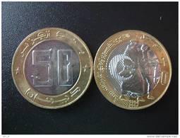 ALGERIE - 50 DINARS COMMEMORATIVE - 1954-2004 BI-METAL - NEUVE  B U - Algérie