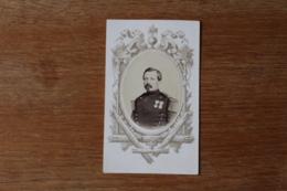 Cdv  Second Empire  Officier Avec Deux Decorations  Par  Levavasseur  Reims - Guerre, Militaire