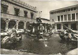 W383 Pesaro - Piazza Del Popolo - Fontana - Auto Cars Voitures / Viaggiata 1963 - Pesaro