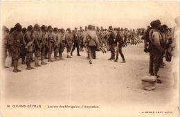 CPA Geiser 46 Colomb-Béchar Arrivée Des Senegalais, Inspection ALGERIE (757407) - Bechar (Colomb Béchar)