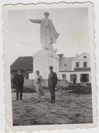 Raseiniai Prie Paminklo, 1934 Mažo Formato - Lituanie