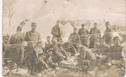 CAMP Du RUCHARD - Carte Photo Du 290 ème Régiment D'Infanterie - Militaires Attablés Devant Les Tentes - 14-18 - Francia