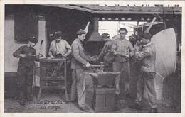 Alte Ansichtskarte La Vie Du Marin -La Forge- - Ausrüstung