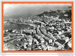 83 SAINT TROPEZ Vue Aérienne  Ville Et Le Port  Carte Vierge TBE - Saint-Tropez