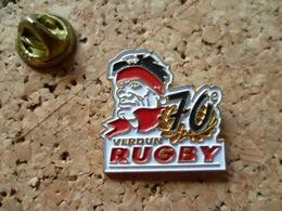 Pin's  ** Rugby - Verdun - 70 E  **  Club De Rugby , Ville ,anniversaire - Rugby