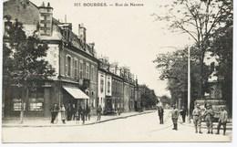10588 - Cher  -  BOURGES : Rue De Nevers , Tabac à Gauche - Pissotieres à Droite VERS 1900    (disparues ??? ) - Bourges