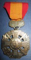 Croix De Guerre Sud Vietnam-Fabrication US - Medals