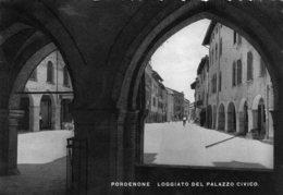[DC7855] CPA - PORDENONE - LOGGIATO DEL PALAZZO CIVICO - Viaggiata 1940 - Old Postcard - Pordenone