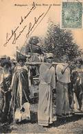 CPA MADAGASCAR - La Reine Binao En Filanzane - Madagascar