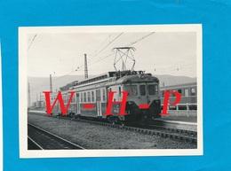 LA TOUR DE CAROL (Pyrénées Orientales)   - Train  En Gare  - Cliché Du 28/06/1969 - Autres Communes