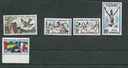 GABON  Scott C4, 163-164 C6, 166 Yvert PA4, 161-162 PA6, 164 (5) ** Cote 12,00  $ 1961-2 - Gabon (1960-...)