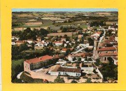 CPSM Dentelée - SAINT-PUY (32) -  Vue Aérienne Du Bourg Et De L'Hôpital Dans Les Années 60 - Autres Communes