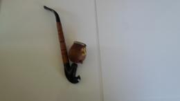 PIPE   ANCIENNE  DECOREE FLEURS  ****  A   SAISIR  ***** - Pipes & Accessoires