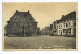 Torhout Thourout Markt En Stadhuis - Torhout