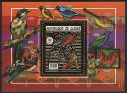 Guinea (1990) Mi. Bl. 362A  /  Aves - Birds - Oiseaux - Vogel - Scouts - Scouting - Butterflies - Unusual GOLD - Eagle - Andere