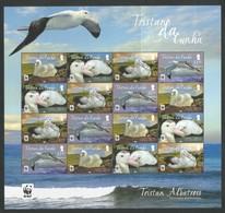 2013 Tristan Da Cunha WWF Tristan Albatross Sheetlet (** / MNH / UMM) - W.W.F.