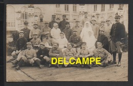DD / GUERRE 1914-18 / HÔPITAL MILITAIRE DE TROUVILLE S/MER / INFIRMIÈRES, MALADES ET SOIGNANTS / CIRCULÉE EN 1915 - Guerre 1914-18