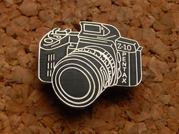 Pin's - APPAREIL PHOTO PENTAX Z10 - Photography