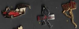 1 Pin's Au Choix_Coluche_Presley_Higelin Ou Michael JACKSON - Musique