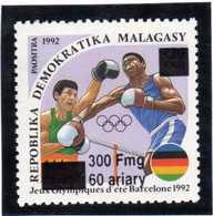 MADAGASCAR  1998  MNH -  JEUX OLYMPIQUES BARCELONA 1992 / BOXE  SURCHARGE / OVERPRINT - 1  VAL. - Madagascar (1960-...)