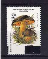 MADAGASCAR 1998  MNH -  CHAMPIGNONS / MUSHROOMS OVERPRINT -   SURCHARGE N°2 - Funghi
