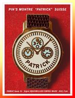 """SUPER PIN'S MONTRE : Marque """"PATRICK"""" Made In SWISS, Création MAXIMILLIEN, Cadran Beige-rosé, Bracelet Cuir, 4X2,7cm - Marcas Registradas"""