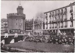 F66-027 PERPIGNAN - LE CASTILLET - L'HOTEL DE FRANCE - LES TRAMS - Perpignan