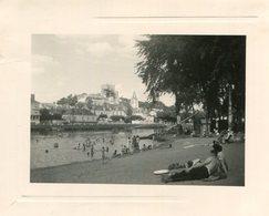 PHoto De Baigneurs Dans Le Cher Plage De Montrichard Val De Cher En 1961 Pont Ville - Places