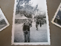 Ancien Album Photos D'un Soldat Français Pendant La Guerre D'Algérie 68 Photos D'époque // En état Moyen - Guerre, Militaire