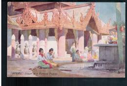 BURMA/ MYANMAR Prayer At A Burmese Pagoda Ca 1910 OLD POSTCARD 2 Scans - Myanmar (Burma)