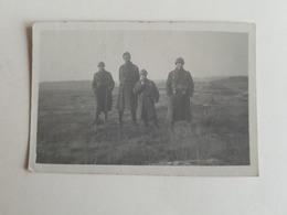 Photo D'un Groupe De 4 Militaires/soldats Belges - Camp De Beverloo - 1925 (Belgique) - 8,5x6 Cm - Caserne/Armée - Guerre, Militaire