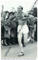 ATHLETISME : PHOTO (1952), JEUX OLYMPIQUES, HELSINKI, EMILE ZATOPEK REMPORTE LE MARATHON, PASSAGE AU 35° KILOMETRE - Athlétisme