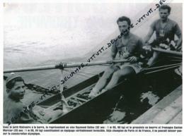 AVIRON : PHOTO (1952), JEUX OLYMPIQUES, HELSINKI, SALLES-MERCIER-MALIVOIRE, REMPORTENT LA MEDAILLE D'OR DU DEUX BARRE - Aviron