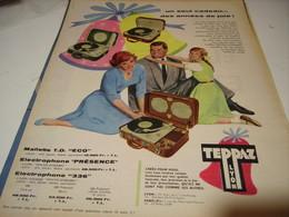 ANCIENNE  PUBLICITE UN SEUL CADEAU  ELECTROPHONE  DE TEPPAZ 1958 - Music & Instruments