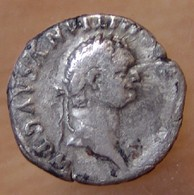 Domitien Denier +81 Rome Trône à Dossier Semi-circulaire - 2. The Flavians (69 AD Tot 96 AD)