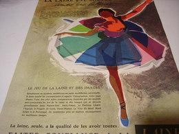 ANCIENNE  PUBLICITE LA LAINE EST SOUPLE 1958 - Habits & Linge D'époque