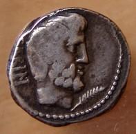 République Romaine Tituria Denier 89 Avant JC Revers 2 Soldats - Roman