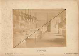 1887 Rare Photo Sur Carton De L'école Spéciale Militaire De Saint Cyr Par E. Vallois Dortoir - Guerre, Militaire