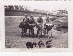 PHOTO ANCIENNE,22 AOUT 1938,TABLE D'ORIENTATION DU GRAND BALLON,HAUT RHIN,FEMME CYCLISTE,VELO,SCOUT,RARE - Plaatsen