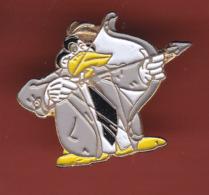 54643- Pin's BD..cinema. Donald.tir A L'arc. - Comics